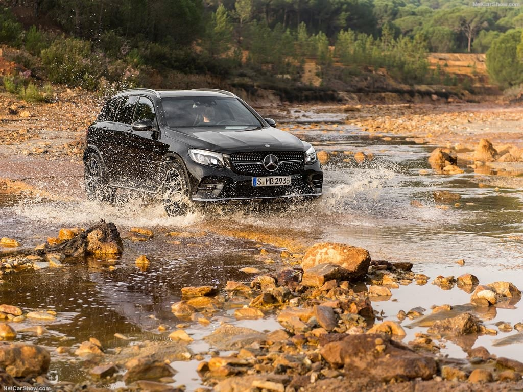 2017 Mercedes-Benz GLC43 AMG 4Matic-10