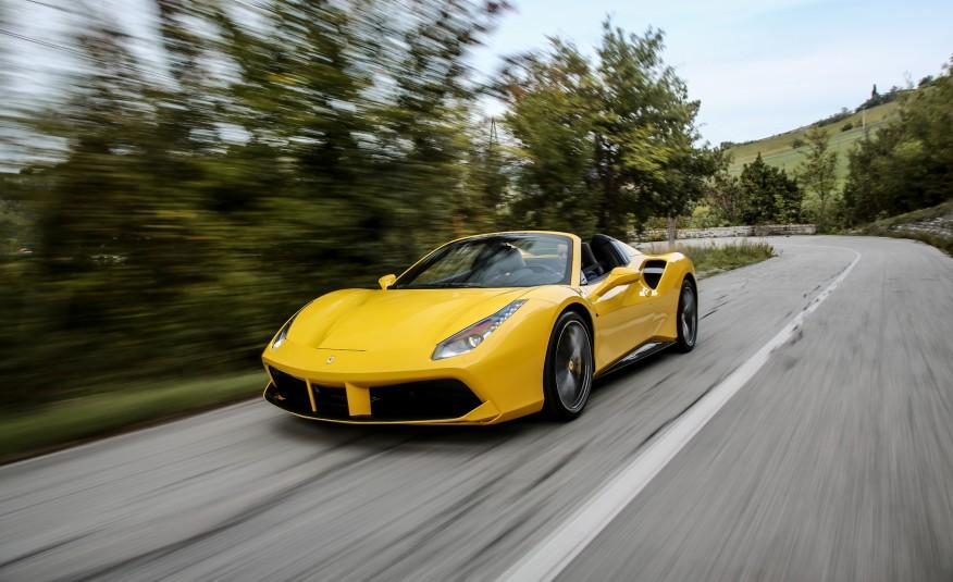 2016-Ferrari-488-Spider-101-876×535