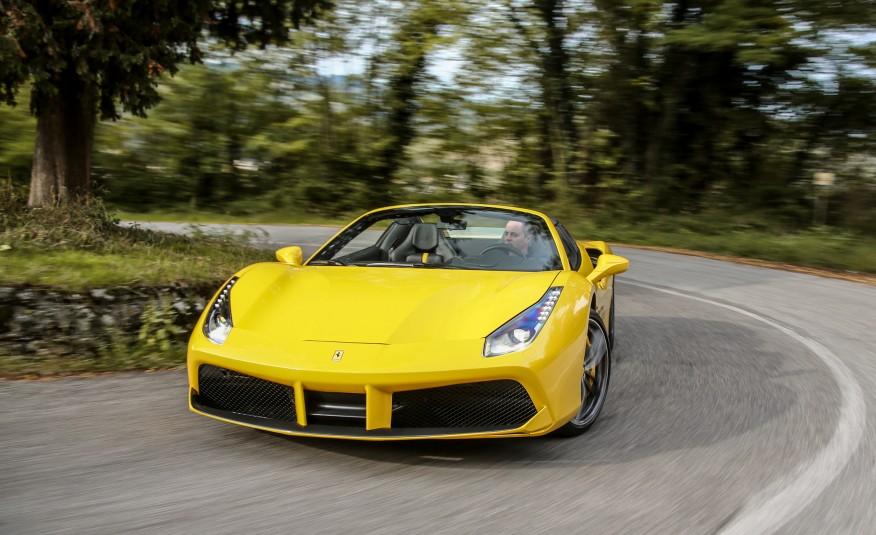 2016-Ferrari-488-Spider-102-876×535