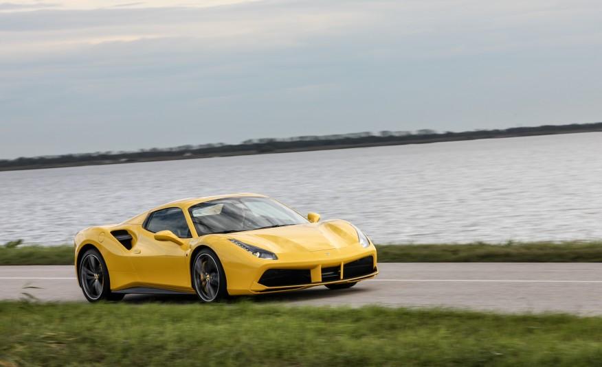 2016-Ferrari-488-Spider-104-876×535