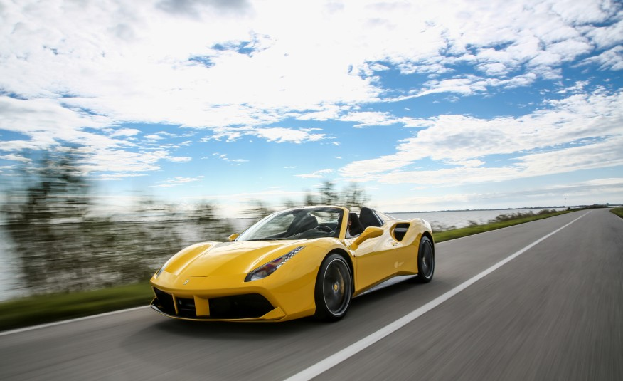2016-Ferrari-488-Spider-105-876×535