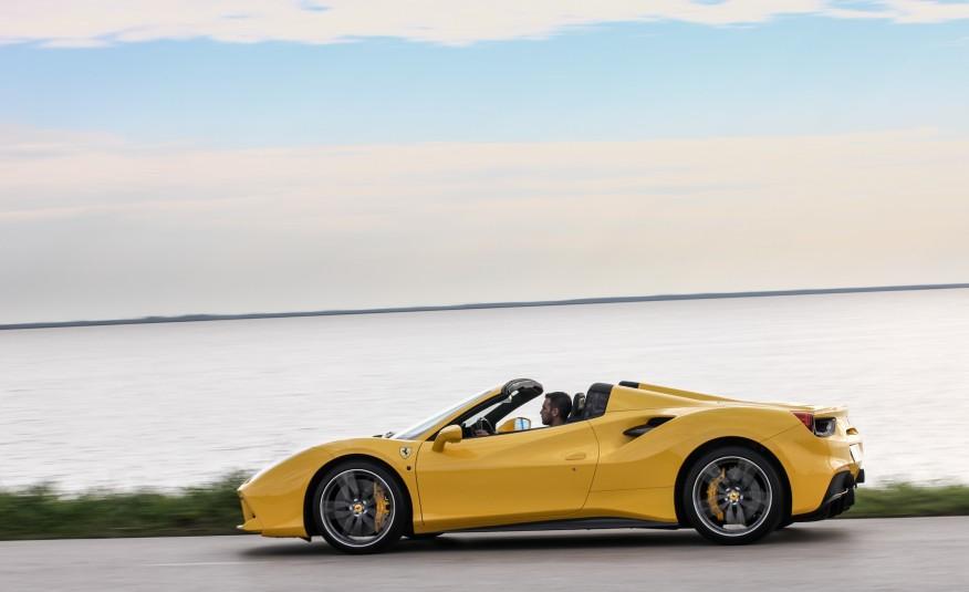 2016-Ferrari-488-Spider-106-876×535
