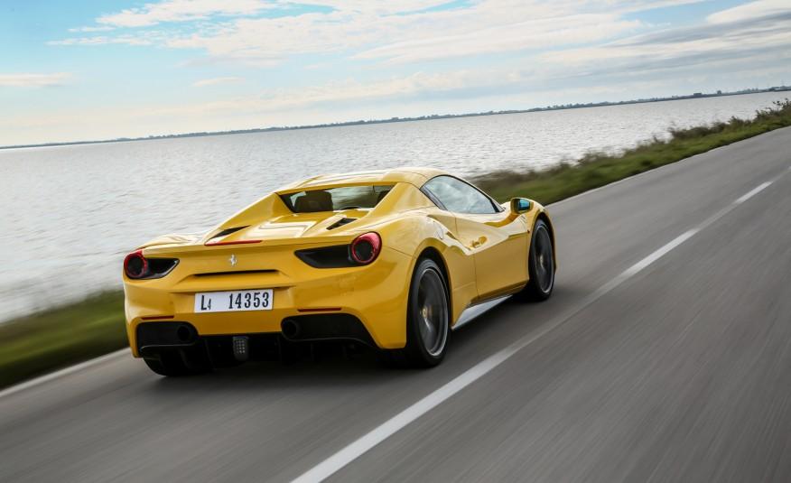 2016-Ferrari-488-Spider-111-876×535