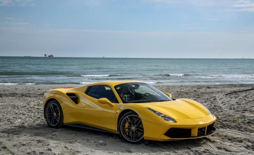 2016-Ferrari-488-Spider-123-876×535